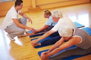 Пациенты занимаются физкультурой