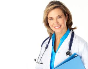Женщина-врач со стетоскопом