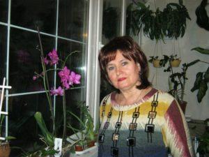 Женщина средних лет